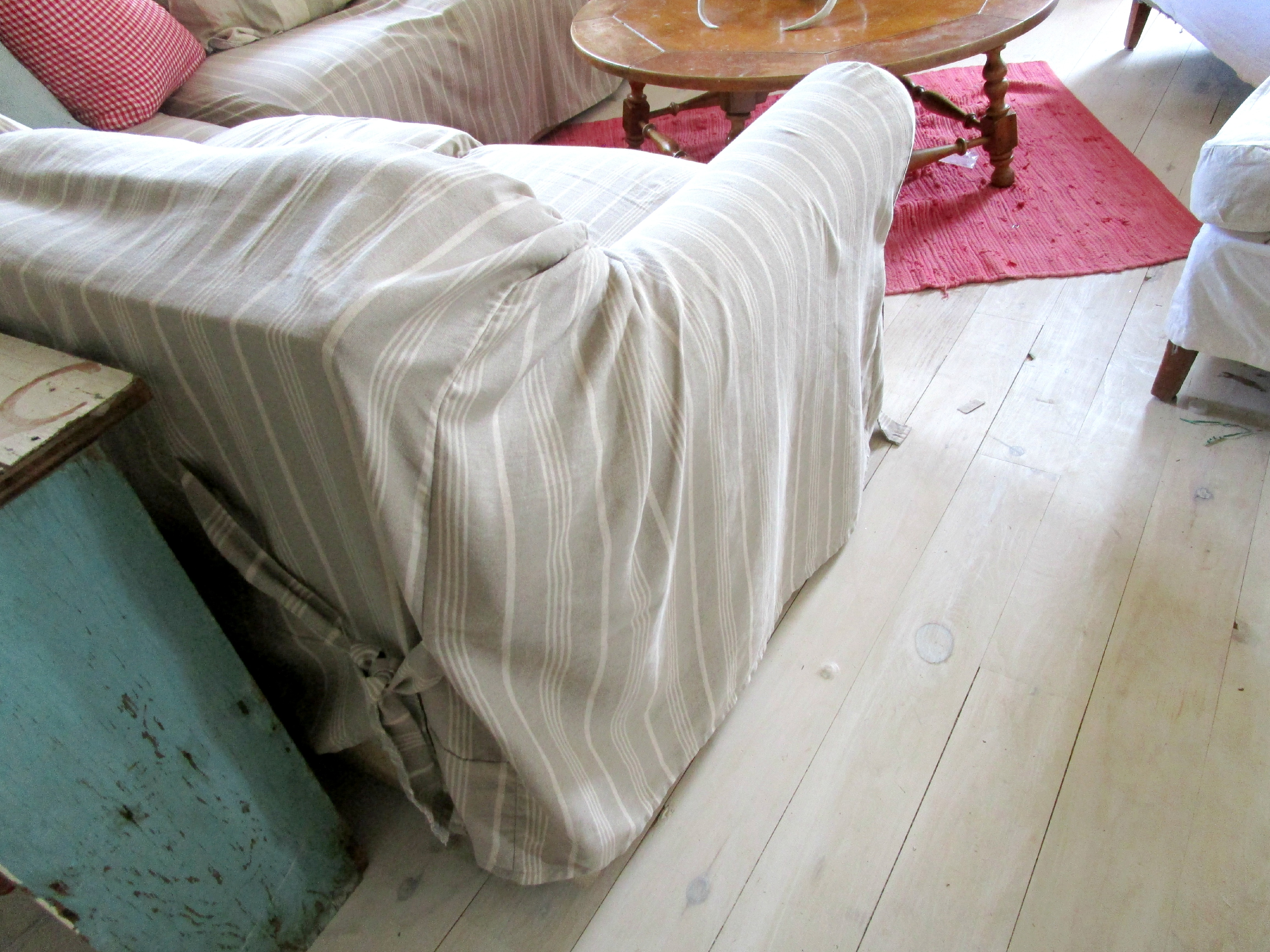 slipcover corner